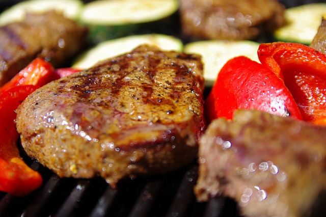 bílkoviny - maso na grilu
